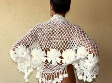Knitted ladies shawl pattern