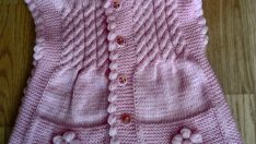 Knitted twill patterned baby vests
