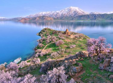 Van Lake Travel, Turkey Travel Guide